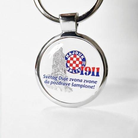 Hajduk privjesak metalni okrugli na Svetog Duju